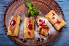 κόκκινο τηγανιτών εξοχικών σπιτιών τυριών καναπεδακιών ανασκόπησης στοκ φωτογραφίες με δικαίωμα ελεύθερης χρήσης