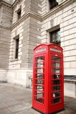 κόκκινο τηλέφωνο του Λο&n Έλξη του Λονδίνου στοκ εικόνες