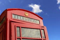 Κόκκινο τηλεφωνικό κιβώτιο Στοκ φωτογραφία με δικαίωμα ελεύθερης χρήσης