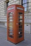 Κόκκινο τηλεφωνικό κιβώτιο Στοκ Φωτογραφίες
