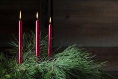 κόκκινο τρία κεριών στοκ εικόνες