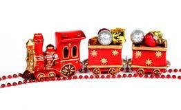 κόκκινο τραίνο διακοσμήσεων Χριστουγέννων Στοκ φωτογραφία με δικαίωμα ελεύθερης χρήσης