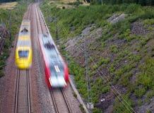 κόκκινο τραίνο κίτρινο Στοκ φωτογραφία με δικαίωμα ελεύθερης χρήσης