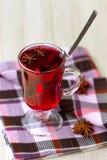 Κόκκινο τσάι (karkade) με το anisetree Στοκ Εικόνες