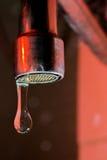 Κόκκινο φως και πτώση νερού Στοκ εικόνες με δικαίωμα ελεύθερης χρήσης