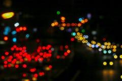 κόκκινο φως της κυκλοφοριακής συμφόρησης στο δρόμο έξω από την πόλη της εθνικής μέρας στοκ εικόνα