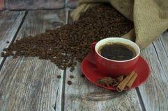 κόκκινο φλυτζανιών καφέ Στοκ εικόνες με δικαίωμα ελεύθερης χρήσης
