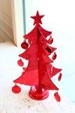 Κόκκινο χριστουγεννιάτικο δέντρο στοκ φωτογραφία με δικαίωμα ελεύθερης χρήσης