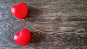 κόκκινο δύο καρδιών ανασκ Στοκ Εικόνες