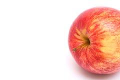 Κόκκινο ώριμο μήλο στην άσπρη ανασκόπηση στοκ φωτογραφία με δικαίωμα ελεύθερης χρήσης