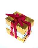 Κόκκινο δώρο τόξων Στοκ εικόνες με δικαίωμα ελεύθερης χρήσης
