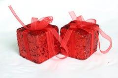 Κόκκινο δώρο Στοκ εικόνα με δικαίωμα ελεύθερης χρήσης