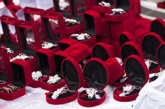 κόκκινο δώρων κιβωτίων Εορτασμός Martisor Στοκ εικόνα με δικαίωμα ελεύθερης χρήσης