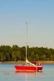 Κόκκινο Sailboat Στοκ φωτογραφίες με δικαίωμα ελεύθερης χρήσης