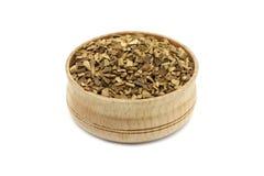 Κόκκοι στιγμιαίου καφέ σε ένα ξύλινο πιάτο στοκ φωτογραφία με δικαίωμα ελεύθερης χρήσης