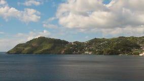 Κόλπος και ακτή του τροπικού νησιού Κοιλάδα της Clare, Άγιος Vincent και Γρεναδίνες απόθεμα βίντεο
