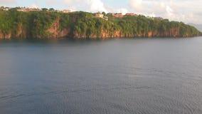 Κόλπος και ακτή του τροπικού νησιού Kingstown, Άγιος Vincent και Γρεναδίνες φιλμ μικρού μήκους