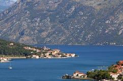 Κόλπος Μαυροβούνιο θάλασσας και Kotor βουνών Στοκ Εικόνες