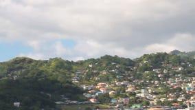 Κόλπος, πόλη και βουνά στο νησί στην καραϊβική θάλασσα Kingstown, Άγιος Vincent και Γρεναδίνες φιλμ μικρού μήκους