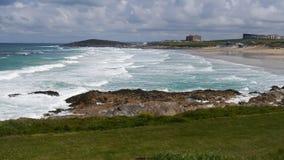 Κόλπος Newquay Fistral μια δημοφιλής παραλία surfers στην Κορνουάλλη UK στοκ εικόνα