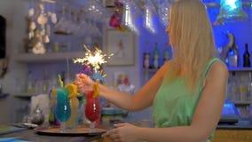 Κόμμα κοκτέιλ με τα sparklers απόθεμα βίντεο