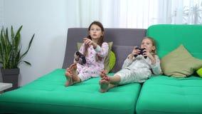 Κόμμα πυτζαμών για τα μικρά gamers απόθεμα βίντεο