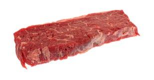Κόντρα φιλέτο οσφυϊκών χωρών βόειου κρέατος που ψήνει την άκρη σε ένα άσπρο υπόβαθρο στη σχάρα Στοκ εικόνα με δικαίωμα ελεύθερης χρήσης