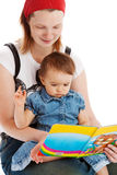 κόρη η μητέρα της που διαβάζει Στοκ εικόνα με δικαίωμα ελεύθερης χρήσης