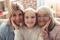 Κόρη, mom και γιαγιά στοκ εικόνα με δικαίωμα ελεύθερης χρήσης