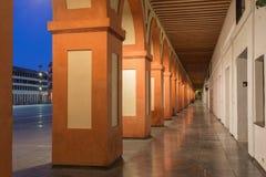 Κόρδοβα - τα porticoes Plaza de Λα Corredera της πλατείας στο σούρουπο Στοκ Εικόνες