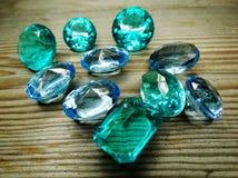 Κόσμημα διαμαντιών σαπφείρου κρυστάλλων πολύτιμων λίθων Στοκ Εικόνα