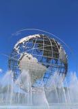 1964 κόσμος δίκαιο Unisphere της Νέας Υόρκης στο ξέπλυμα του πάρκου λιβαδιών Στοκ φωτογραφία με δικαίωμα ελεύθερης χρήσης