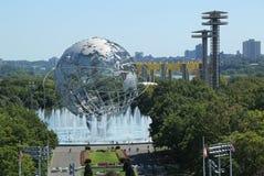 1964 κόσμος ` s δίκαιο Unisphere της Νέας Υόρκης στο ξέπλυμα του πάρκου λιβαδιών Στοκ Εικόνες