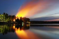 κόλπος ελαφριά Πετρούπολη ST της Φινλανδίας βραδιού ακτών Στοκ Φωτογραφία