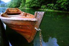 Κόλπος θάλασσας τοπίων με τη βάρκα Στοκ φωτογραφία με δικαίωμα ελεύθερης χρήσης