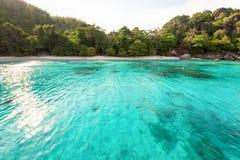 Κόλπος και παραλία μήνα του μέλιτος στο νησί Similan, Ταϊλάνδη Στοκ Εικόνες