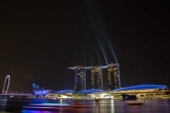 Κόλπος μαρινών της Σιγκαπούρης nightscape Στοκ Εικόνες