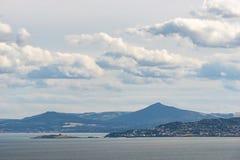 Κόλπος του Δουβλίνου και τα Wicklow βουνά όπως βλέπει από Howth Στοκ Φωτογραφίες