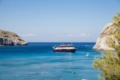 Κόλπος του Anthony Quinn και παραλία, Ρόδος σε Faliraki, Ελλάδα Στοκ Φωτογραφία