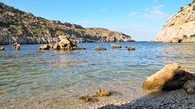 Κόλπος του Anthony Quinn στο νησί της Ρόδου, Ελλάδα Στοκ εικόνα με δικαίωμα ελεύθερης χρήσης