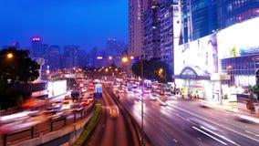 Κόλπος υπερυψωμένων μονοπατιών. Νύχτα Timelapse Χονγκ Κονγκ. Σφιχτός πυροβολισμός βράσης. φιλμ μικρού μήκους
