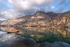 Κόλπος Kotor, Μαυροβούνιο. Kotorska Boka. Στοκ εικόνα με δικαίωμα ελεύθερης χρήσης