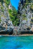 Κόλπος Loh sa μΑ η είσοδος maya Phi κόλπων Phi στα νησιά το andaman s Στοκ φωτογραφία με δικαίωμα ελεύθερης χρήσης