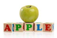 Κύβοι με το μήλο Στοκ φωτογραφία με δικαίωμα ελεύθερης χρήσης