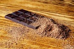 Κύβοι της σοκολάτας και της ξυμένης σοκολάτας Στοκ Φωτογραφία