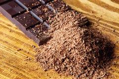 Κύβοι της σοκολάτας και της ξυμένης σοκολάτας Στοκ φωτογραφία με δικαίωμα ελεύθερης χρήσης