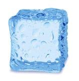 Κύβοι του πάγου σε ένα άσπρο υπόβαθρο Στοκ φωτογραφίες με δικαίωμα ελεύθερης χρήσης