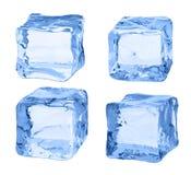 Κύβοι του πάγου σε ένα άσπρο υπόβαθρο Στοκ εικόνα με δικαίωμα ελεύθερης χρήσης
