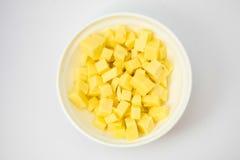 Κύβοι τυριών στο δοχείο Στοκ Φωτογραφία