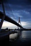 Κύκλος γεφυρών τη νύχτα στην Ταϊλάνδη Στοκ εικόνες με δικαίωμα ελεύθερης χρήσης